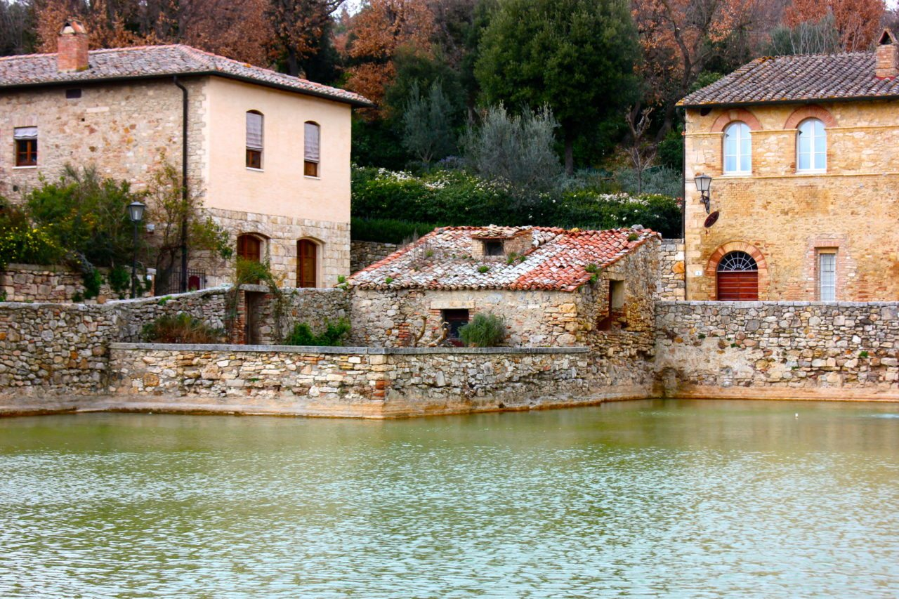 My Pilgrimage to Bagno Vignoni: Tuscany\'s 16th Century Thermal ...